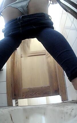 Ебут туалет фото моему